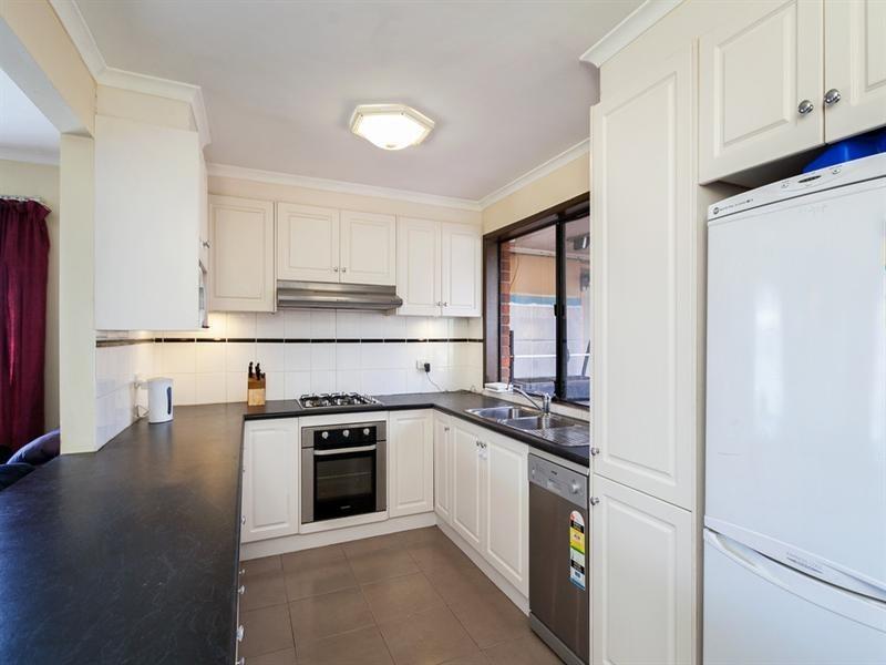 77 Banbury Crescent, Craigieburn VIC 3064
