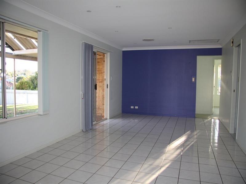 20 Hillenvale Avenue, Arana Hills QLD 4054