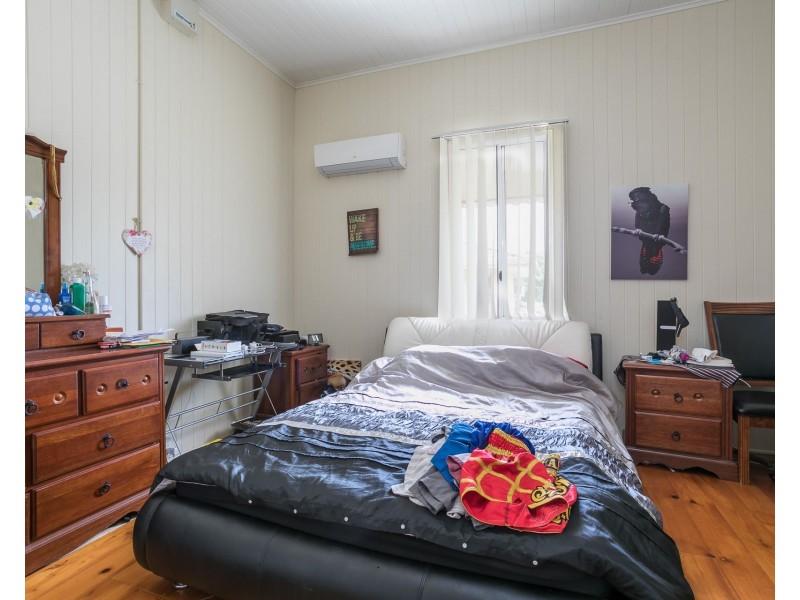 44 Weinam Street, Redland Bay QLD 4165