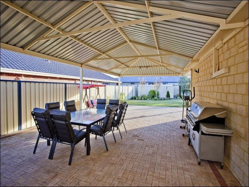 22 Dunlap Avenue, Success WA 6164