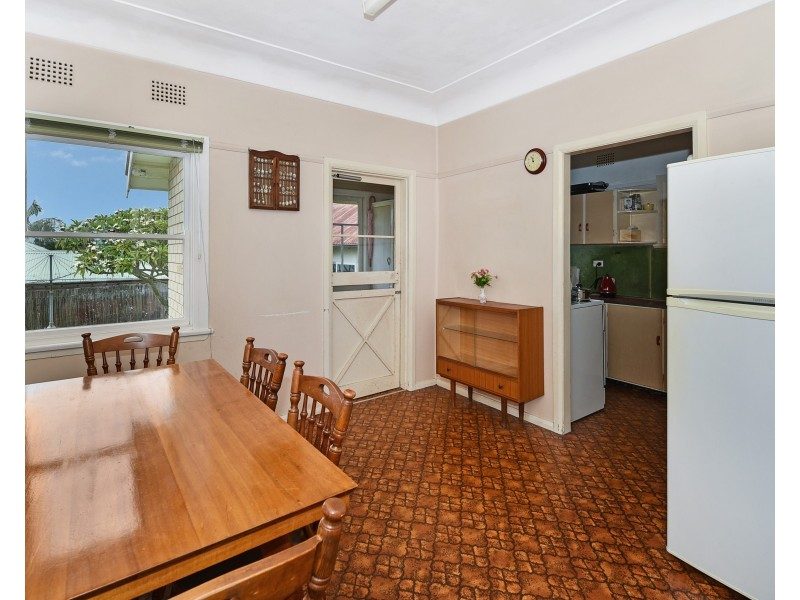17 Eulalia Avenue, Point Frederick NSW 2250