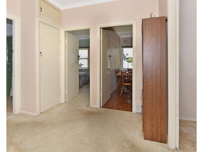 17 Eulalia Avenue, Point Frederick NSW 2250