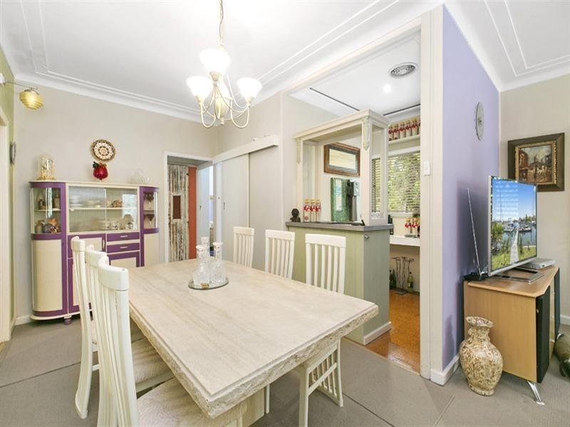15 Waratah Road, Turramurra NSW 2074