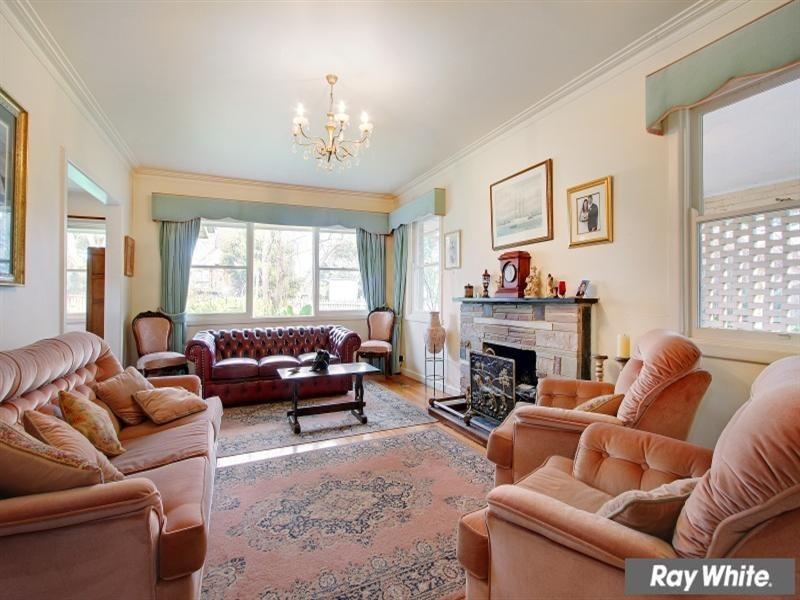 27 Roehampton Crescent, Mount Eliza VIC 3930