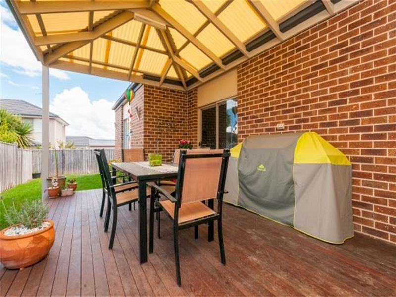 31 Royal Terrace, Craigieburn VIC 3064
