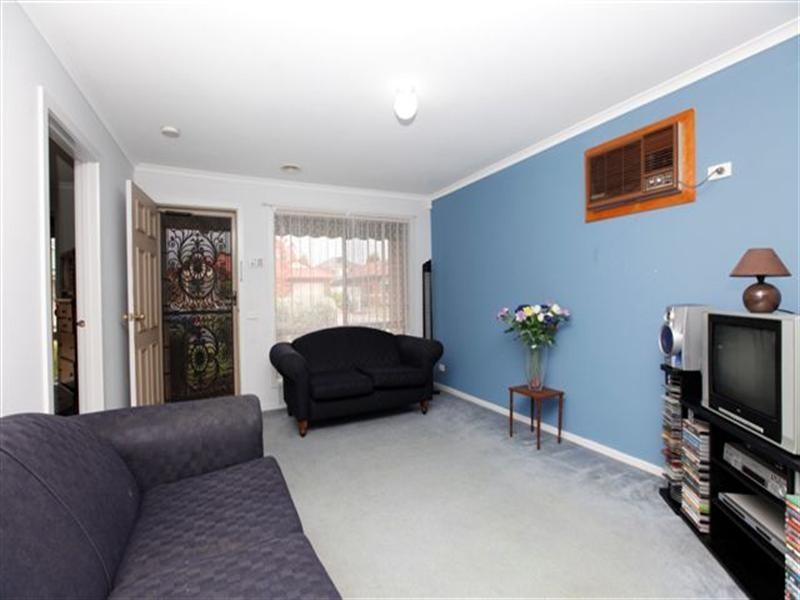 11 Waterford Avenue, Craigieburn VIC 3064