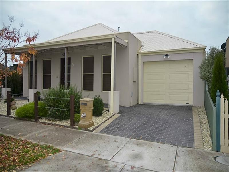 36 Chelsworth Loop, Craigieburn VIC 3064