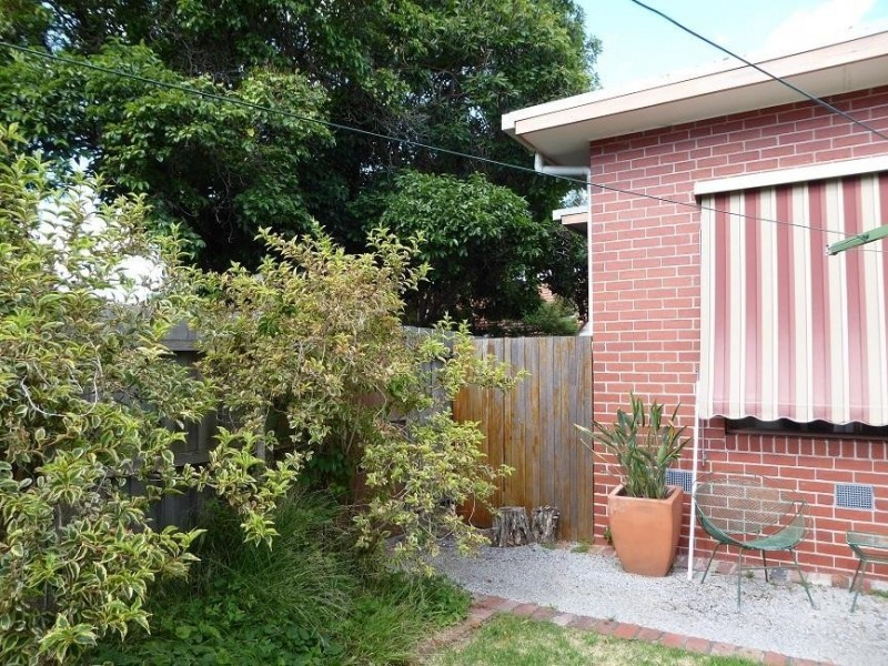 * 4 Clive Road, Hawthorn East VIC 3123