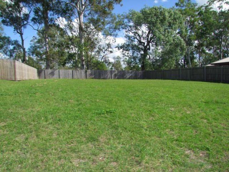 33 Hilltop Avenue, Southside QLD 4570