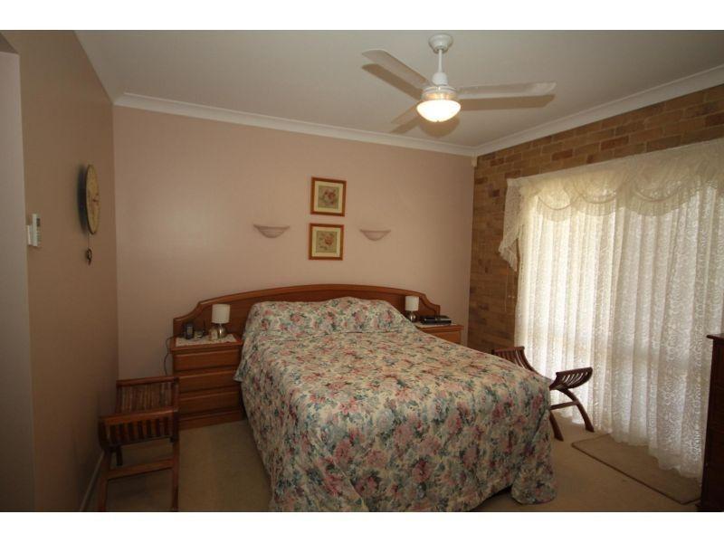 8 Groves Road, Araluen QLD 4570