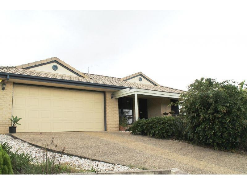 7 Elms Court, Southside QLD 4570