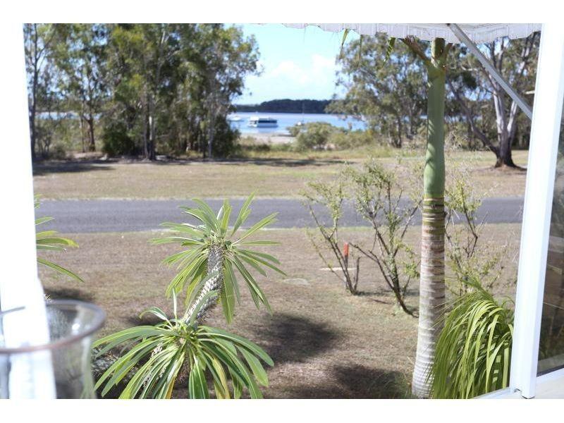 23 OYSTER PARADE, Tin Can Bay QLD 4580