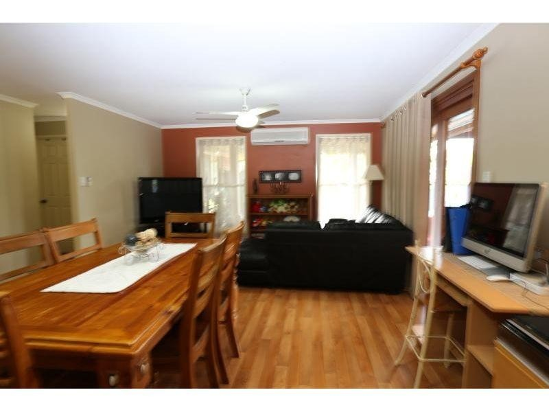 11 Oxford Ct, Southside QLD 4570