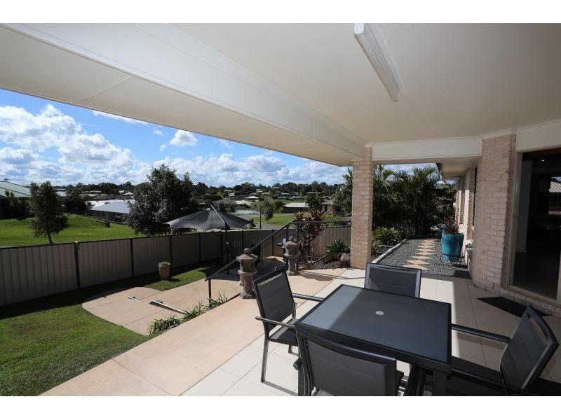 4 Petrie Court, Southside QLD 4570