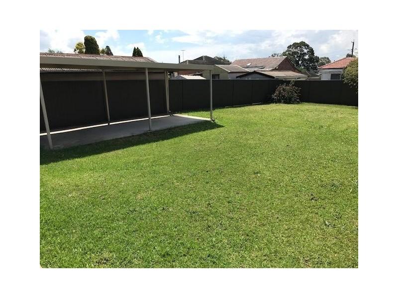 24 Potter Street, Toongabbie NSW 2146