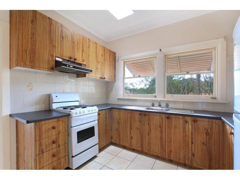 2 Toorak Avenue, Mangerton NSW 2500