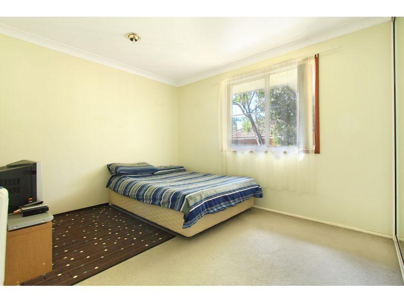 2/42 Loftus Drive, Barrack Heights NSW 2528