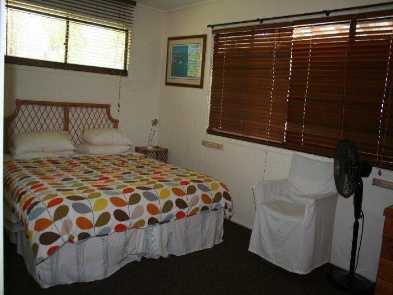 34 Midgen Street, Moreton Island QLD 4025