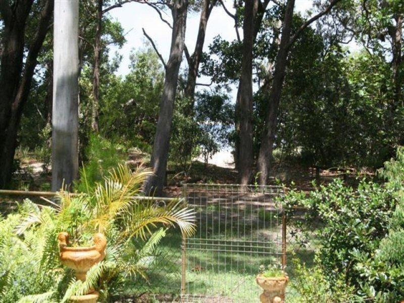 33 Kooringal Esplanade, Moreton Island QLD 4025