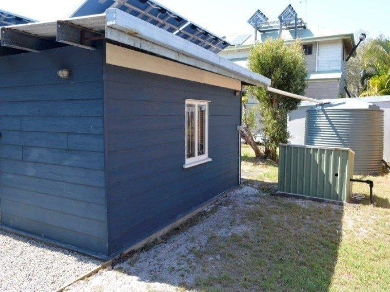 95 Midgen Street, Moreton Island QLD 4025