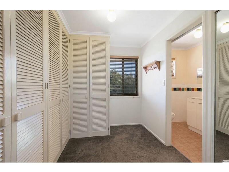19 Whitecastle Street, Carindale QLD 4152