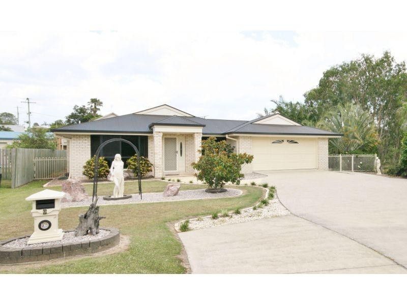 9 Castlereagh Court, Southside QLD 4570