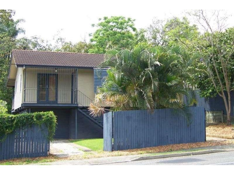 27 Dawson Street, Wooloowin QLD 4030