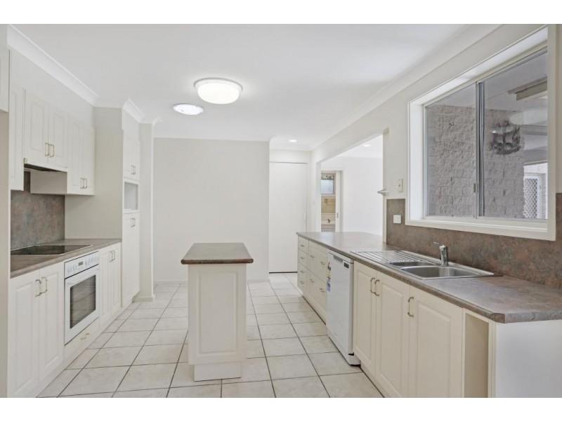 15 Mirreen Street, Hawks Nest NSW 2324
