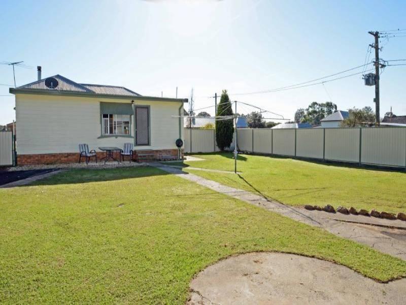 86 Harle Street, Abermain NSW 2326