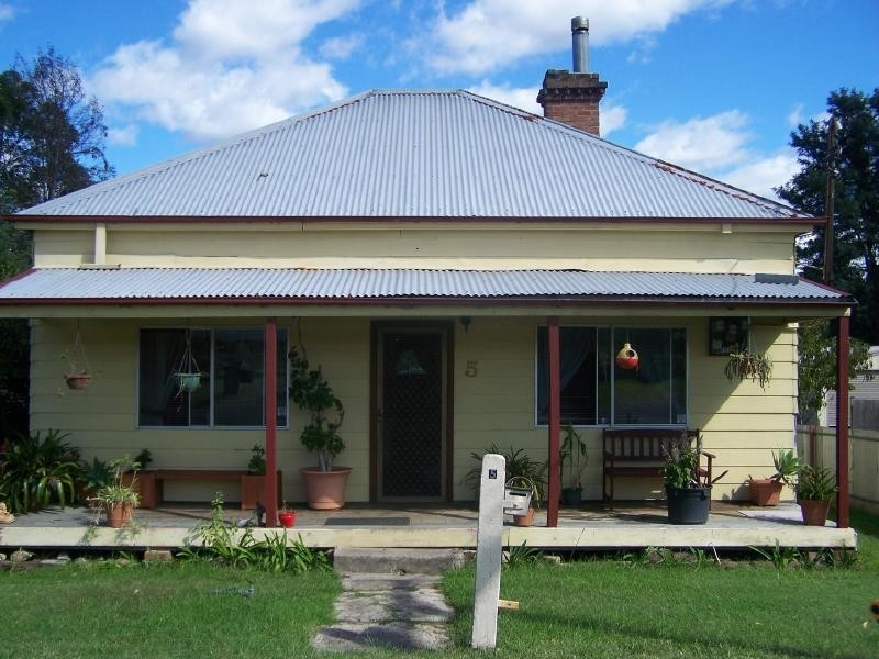 5 John Street, Abermain NSW 2326