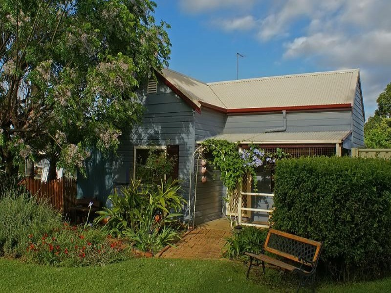 9 Short Street, Aberdeen NSW 2336