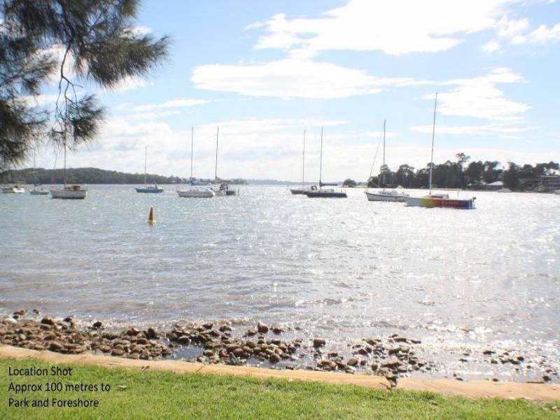 12 Kullaroo Rd, Summerland Point NSW 2259