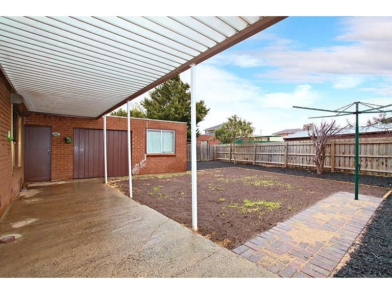 81 Oakwood Road, Albanvale VIC 3021