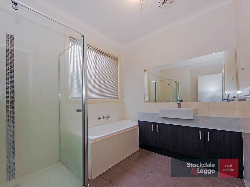 2/3 Officer Court, Werribee VIC 3030