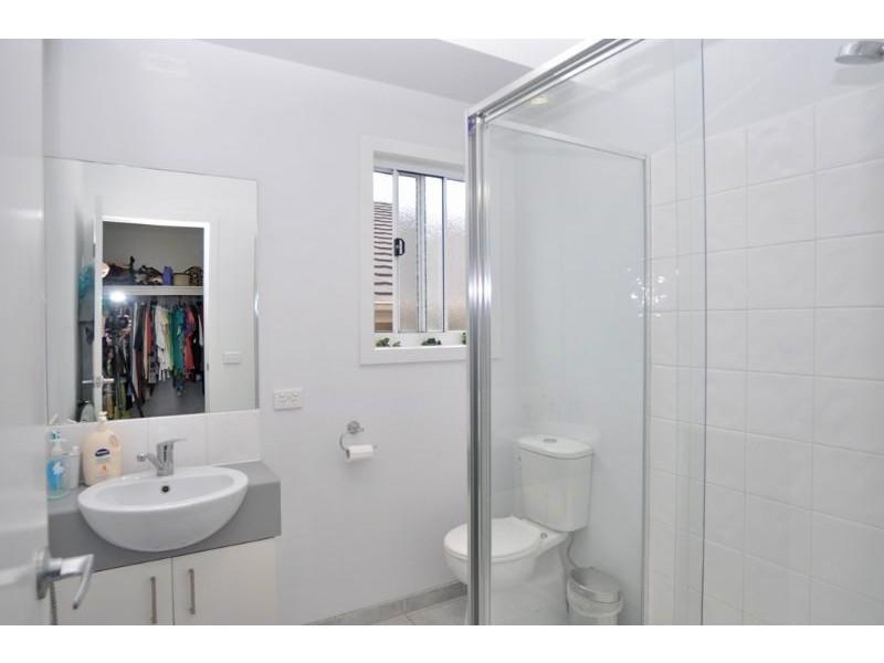 8 Diane Place, Inverloch VIC 3996