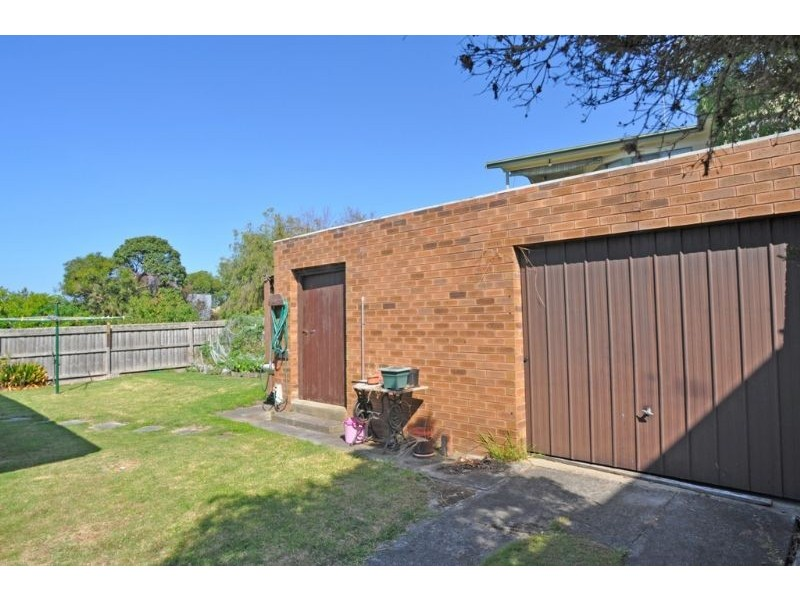 5 Anderson Ave, Inverloch VIC 3996