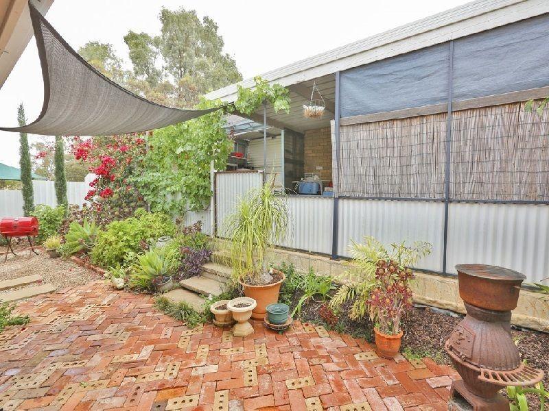 1/5 Riverview Drive, Dareton NSW 2717