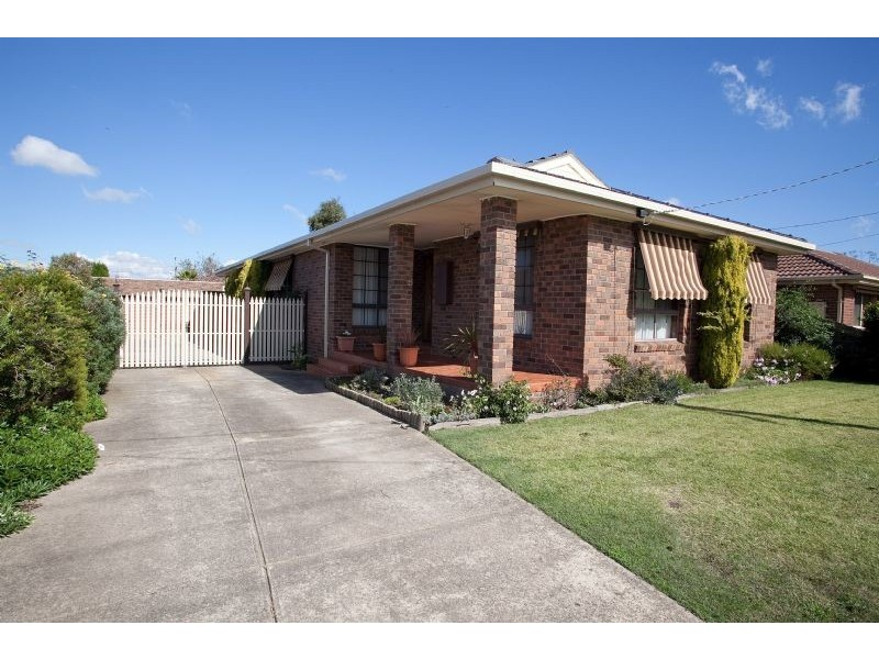 13 Pines Way, Craigieburn VIC 3064