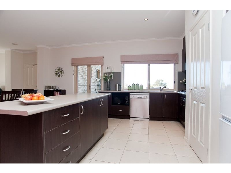 21 Earlston Place, Craigieburn VIC 3064