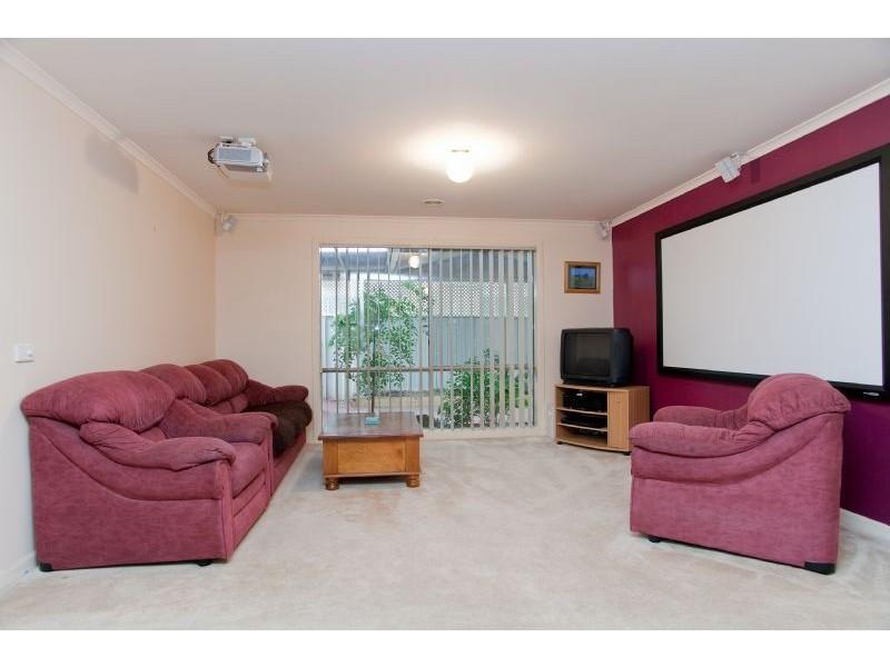 4 Elmwood Place, Craigieburn VIC 3064