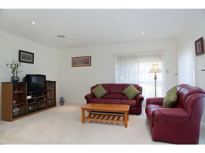 1/57-59 Yarcombe Crescent, Craigieburn VIC 3064