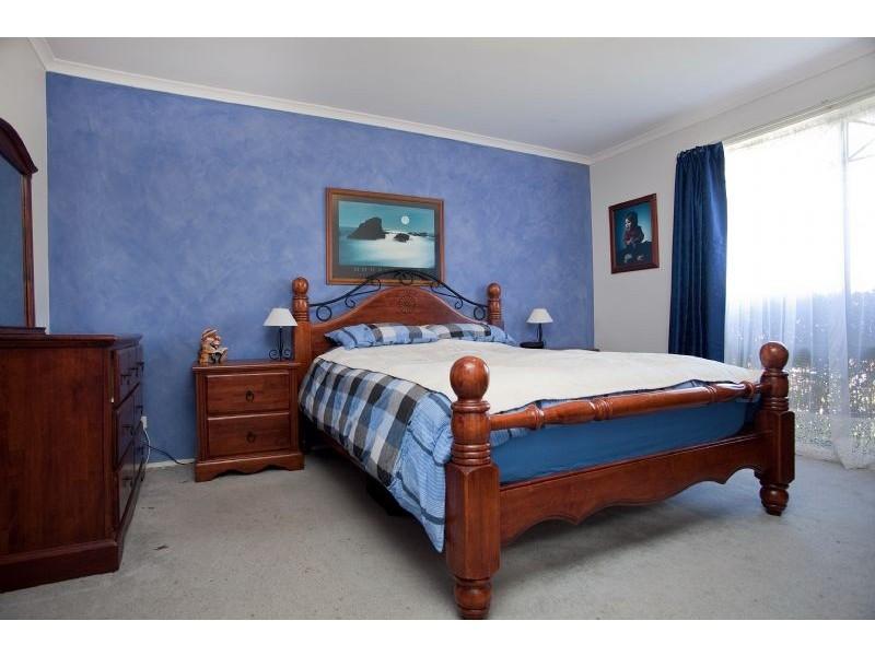 8 Waterdale Rise, Craigieburn VIC 3064