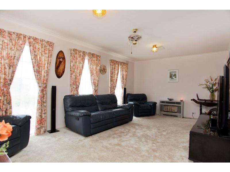 2 Northern Crescent, Craigieburn VIC 3064