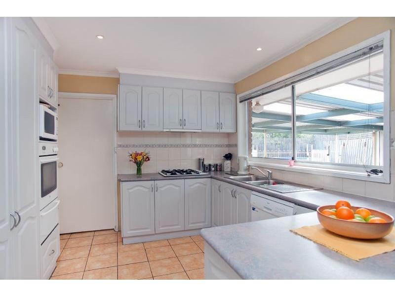 11 Kingston Heath Court, Craigieburn VIC 3064