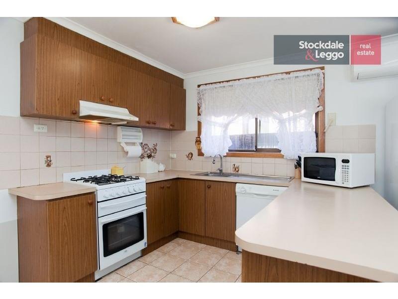 6 Banbury Crescent, Craigieburn VIC 3064