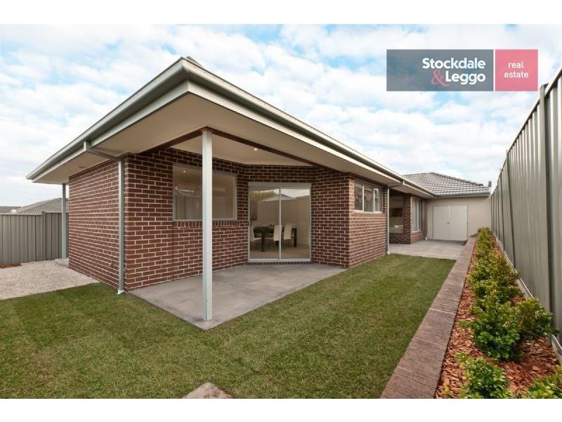 6 Westerfolds Loop, Craigieburn VIC 3064