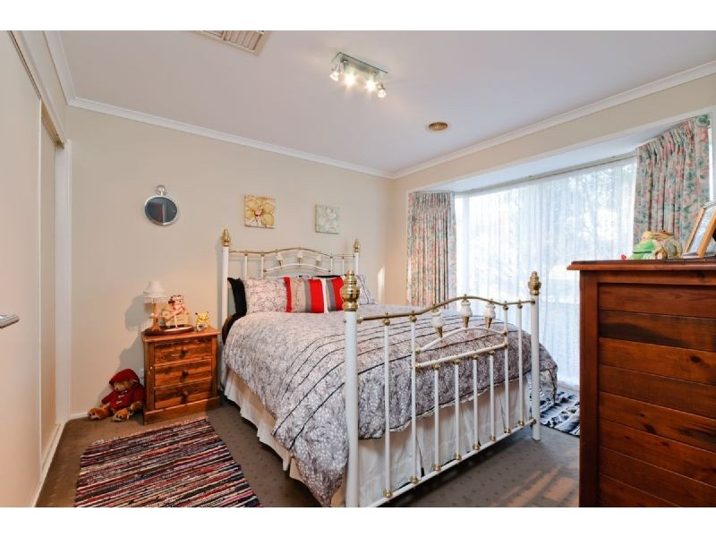 15 Armstrong Court, Roxburgh Park VIC 3064