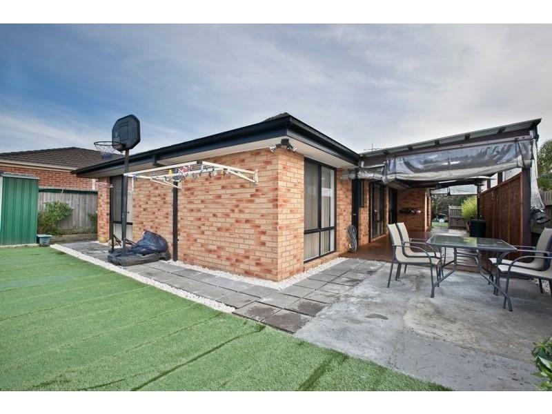 13 Fishburn Place, Cranbourne West VIC 3977