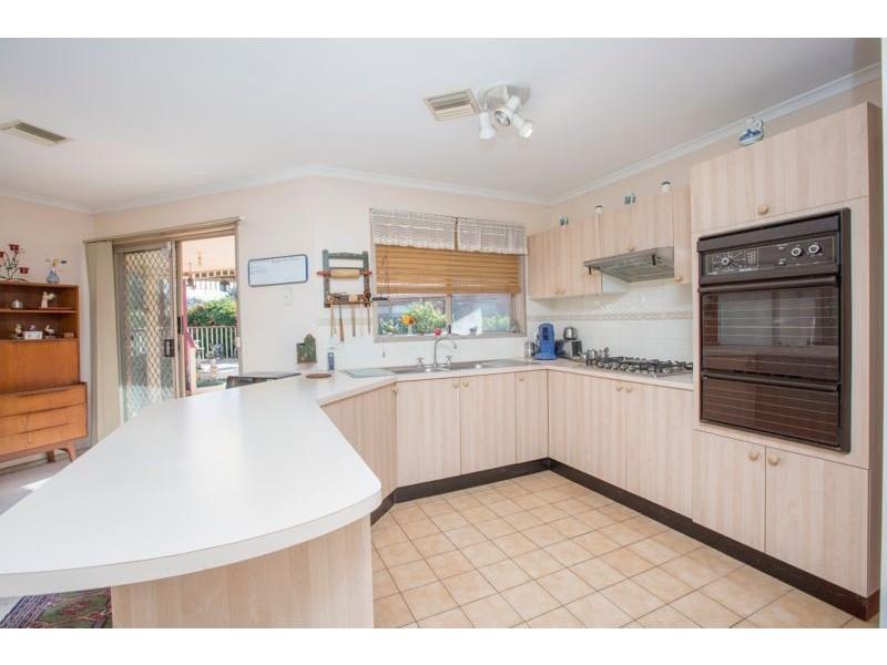 143 Monahans Road, Cranbourne West VIC 3977
