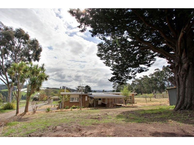 22 HUNTER RD, Silvan VIC 3795